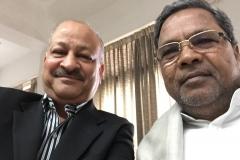 thumbs_Karnataka-CM-Siddaramaiah